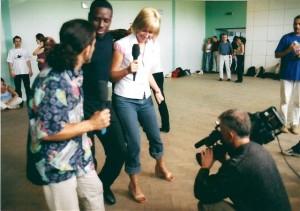 krok kubańskiego stylu  dla telewidzów TVP2 i Agacie Młynarskiej pokazują Jose Torres i Juan Ortiz